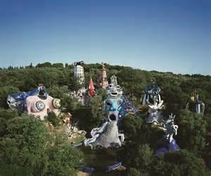 Le Jardin Des Tarots Analyse by Les Oeuvres Monumentales De Niki De Saint Phalle Rmn
