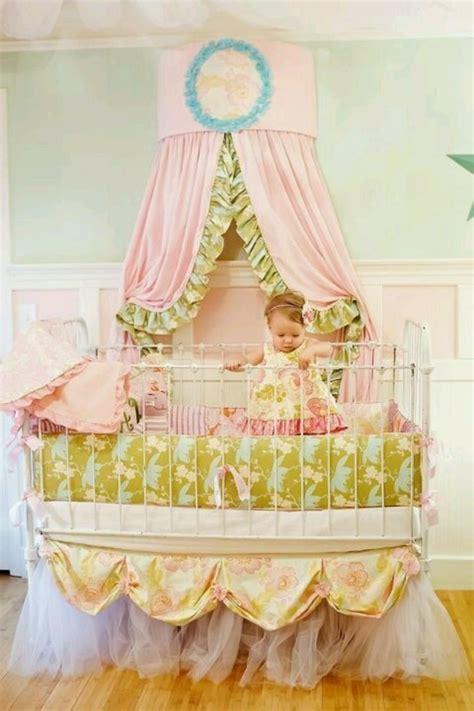 chambre de princesse pour fille le lit baldaquin enfant comment faire la déco pour la
