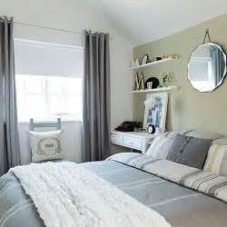 Green and Grey Bedroom Ideas