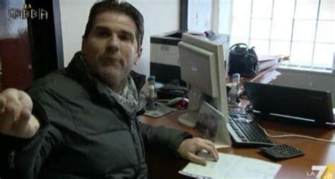 Paolo Barnard La Gabbia La Gabbia Dramma Della Disoccupazione E Il Bar Della De