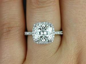 Round Diamond Engagement Ring On Hand Hd |Ring | diamantbilds