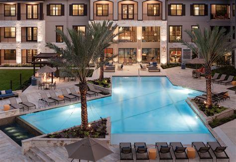 houston apartments resort style pools make a splash