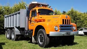1965 International R-190 Truck