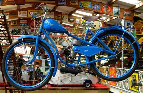 moped 50ccm oldtimer lutz oldtimer moped der firma aus braunschweig aus platzgr 252 nden an der decke aufgehangen
