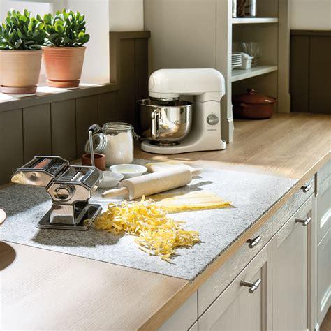 planche à découper cuisine idee deco plan de travail cuisine