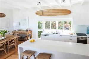 Deco Planche De Surf : d corez vos int rieurs avec une planche de surf ~ Teatrodelosmanantiales.com Idées de Décoration
