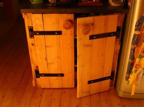 fabriquer sa cuisine en bois mobilier et recyclage de palettes pour un intérieur