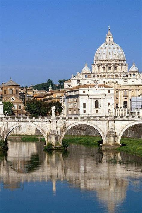 tiber river flowing through vatican city rome best