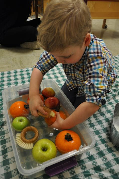 Sensory Play | Preschool | The Hollingworth Center ...