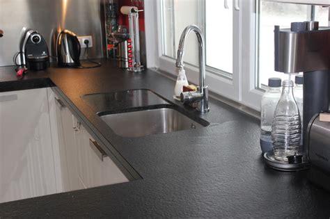 plan de cuisine en granit cuisine granit noir flammé brossé granit andré demange