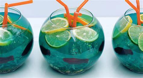 drinks      turn