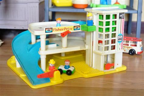 fisher price garage play family garage fisher price trouvaille une