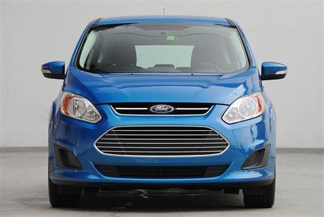 cars model    ford  max hybrid falls