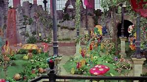 'Willy Wonka And The Chocolate Factory' Facts You Probably ...