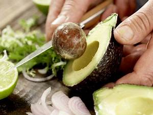 Avocado Pflanze Richtig Schneiden : h hnchensalat mit avocado rezept eat smarter ~ Lizthompson.info Haus und Dekorationen