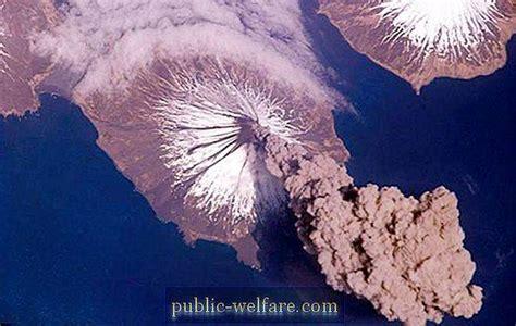 Vulkāni ir ... Kā notiek vulkāna izvirdums? Interesanti ...