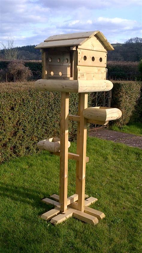 squirrel baffle bird table plans