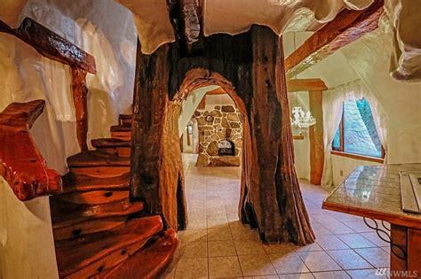 snow white    dwarfs fairytale house  sale