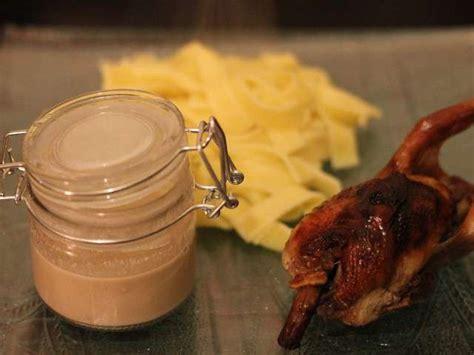 comment cuisiner les cailles au four recettes de foie gras de les petits plats de coco