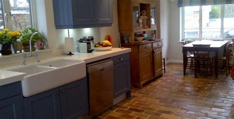 Kitchens With Terracotta Floors Kitchen Shelves Organizers Red Curry Paste Thai Stuff Small Modern Designs Basket Storage Appliances Uk And Gray Ideas What Is A