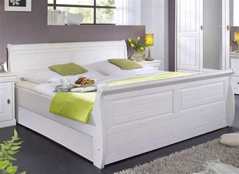 Bett 200x200 Weiß Holz by Massiv Holzbett 100x200 Bett Einzelbett Kiefer Massiv Holz