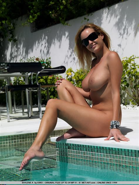 Girls At The pool Vol 5 Redbust
