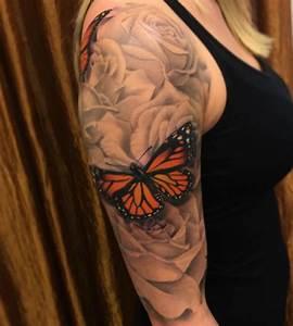 Tattoos Frauen Schulter : schmetterling tattoo designs mit bedeutungen 40 ideen ~ Frokenaadalensverden.com Haus und Dekorationen
