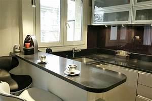 une petite cuisine tres complete places un and 9 With cuisine ouverte petit espace