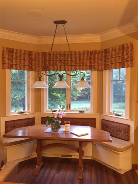 Bay Window Farm Table   Cherry Brook Woodworks