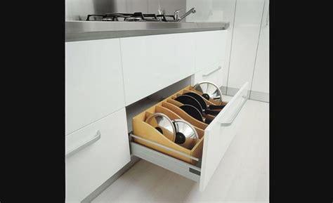 accessoires rangement cuisine range poêlons rangement pour armoires de cuisine