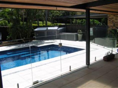 Glass Pool Fencing ? Mini Post   Advance Metal Industries