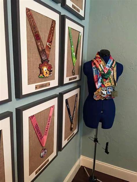 creative ideas  display  medals justrunlah
