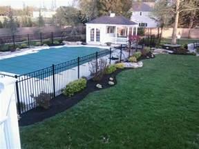 Landscaping around Inground Swimming Pools
