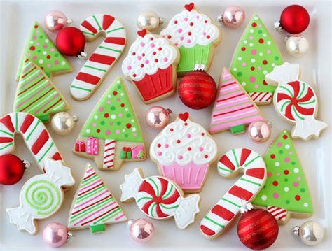 Christmas cookies gift holiday cupcakes christmas goodies christmas sweets christmas ornament christmas decor fancy cookies the most amazing collection of decorated christmas cookies! Decorated Christmas Cookies - Glorious Treats
