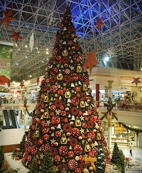 biggest christmas tree  dubai dubai