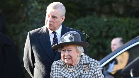 Beaming Queen appears with Prince Andrew after signing off ...