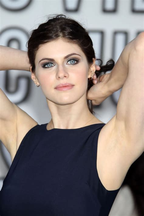 Celebrity Pictures and Biography: Alexandra Daddario