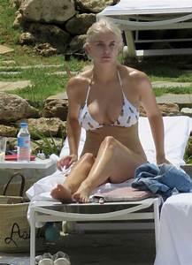 Photos Ashley James En Bikini Dans Marabella