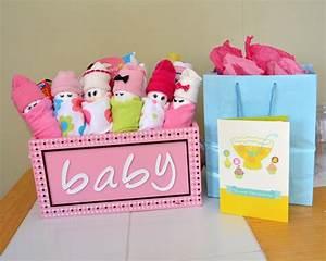 Baby Geschenke Selber Basteln : 25 diy baby shower gifts for the little girl on the way ~ Frokenaadalensverden.com Haus und Dekorationen