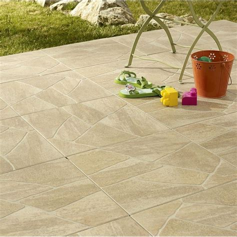 carrelage clipsable leroy merlin terrasse s 233 lection des plus beaux rev 234 tements de sol carrelage ext 233 rieur sentieri par leroy