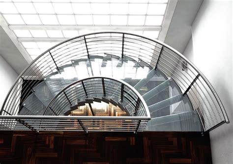altezza ringhiera scala in acciaio elicoidale con gradini in legno bologna