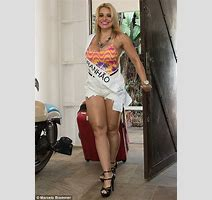 Secrets Of The Battle To Be Brazil S Miss Bumbum Laid Bare Behind The Scenes World Of Miss