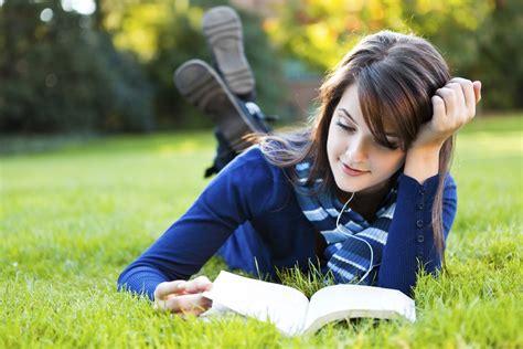 Beautiful Happy Girl Read Book  New Hd Wallpapernew Hd Wallpaper