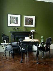 Grüner Schimmel Wand : wohnzimmer dunkelgr n wand ~ Whattoseeinmadrid.com Haus und Dekorationen