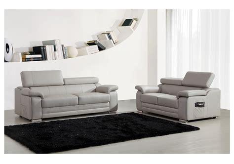 canapé 3 et 2 places pas cher ensemble canapés 2 et 3 places dakota en cuir gris