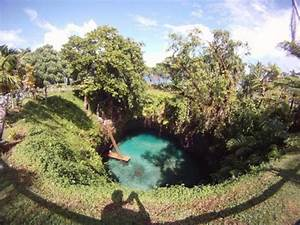 Pix Grove: Lake in the Big Hole - To Sua Ocean Trench in Samoa