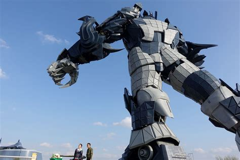 Giant 0m Chinese Vr Theme Park Opens Doors To
