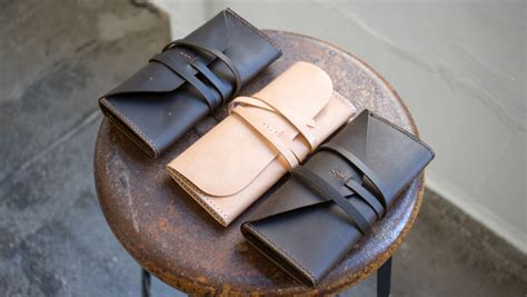 simple gusseted leather clutch   template