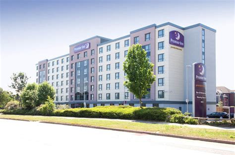 premier inn london gatwick airport manor royal hotel
