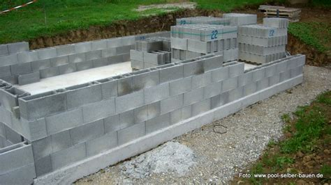 tipps pool mit schalsteinen selber mauern pool selber bauen de - Pool Selber Mauern